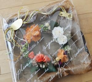 枯れないお花プリザーブドフラワー専門ショップ。こだわりのフラワーギフト承ります。いわもとプリはな。リースのオーダー