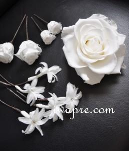 花嫁さんの純白のヘッドの花たち。