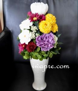 ダリアとカーネーションが美しい仏花