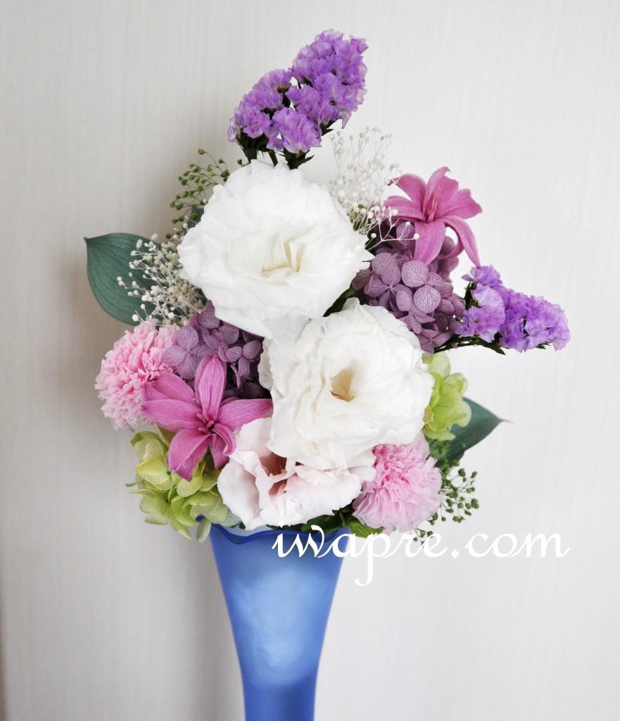 いわもとプリはなの夏に涼しげな仏花