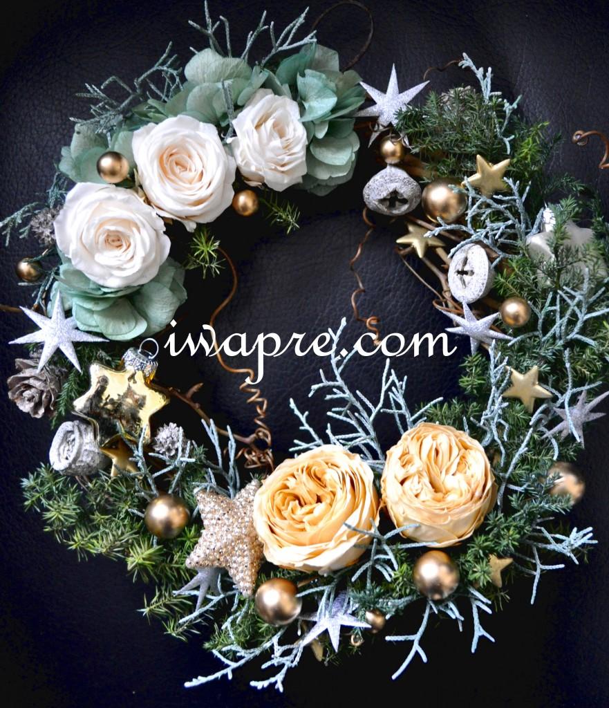 ゴールドのクリスマスリース プリザーブドフラワーのヘッドドレスのリメイクのリースです♪